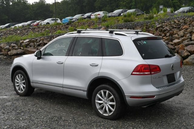 2016 Volkswagen Touareg Sport AWD Naugatuck, Connecticut 4