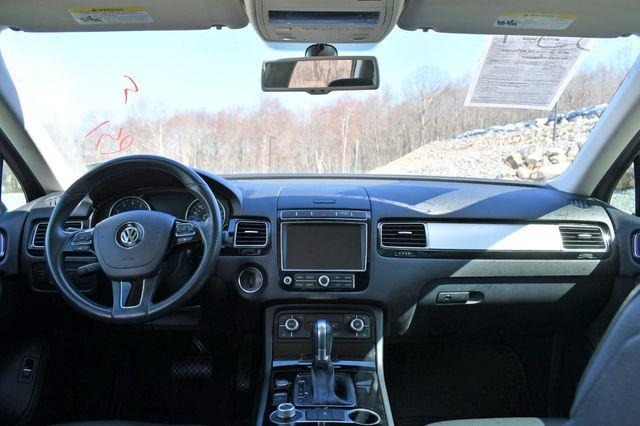 2016 Volkswagen Touareg Sport w/Technology Naugatuck, Connecticut 19