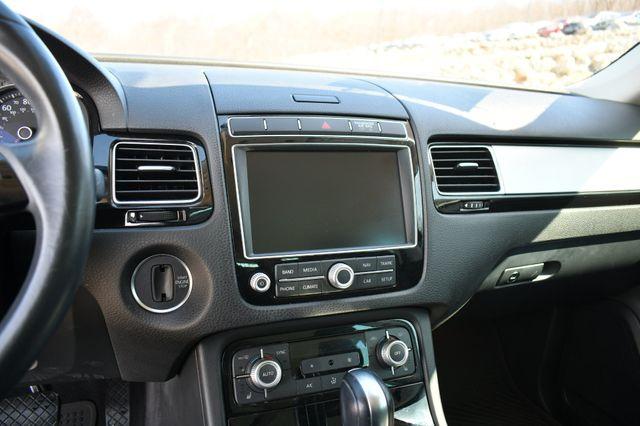 2016 Volkswagen Touareg Sport w/Technology Naugatuck, Connecticut 24