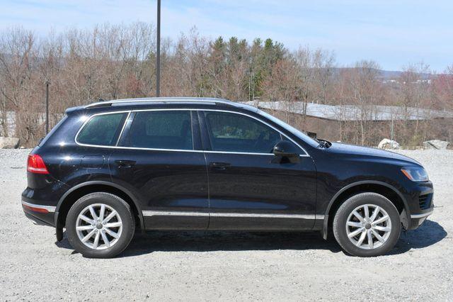 2016 Volkswagen Touareg Sport w/Technology Naugatuck, Connecticut 7