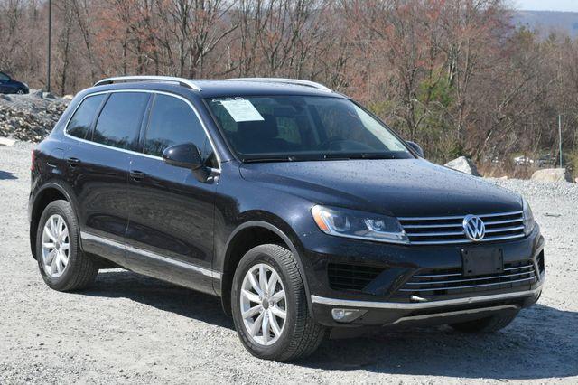 2016 Volkswagen Touareg Sport w/Technology Naugatuck, Connecticut 8