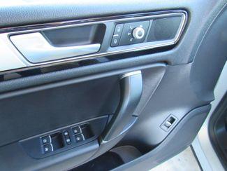 2016 Volkswagen Touareg TDI ONLY 15K MILES! Sport w/Technology Bend, Oregon 11