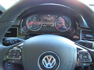 2016 Volkswagen Touareg TDI ONLY 15K MILES! Sport w/Technology Bend, Oregon 12