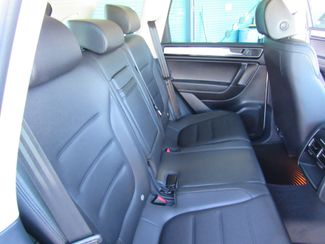 2016 Volkswagen Touareg TDI ONLY 15K MILES! Sport w/Technology Bend, Oregon 16