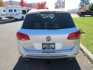 2016 Volkswagen Touareg TDI ONLY 15K MILES! Sport w/Technology Bend, Oregon 2