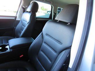 2016 Volkswagen Touareg TDI ONLY 15K MILES! Sport w/Technology Bend, Oregon 9