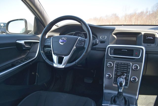 2016 Volvo V60 T5 Drive-E Naugatuck, Connecticut 15