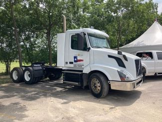 2016 Volvo VNL64T300 in Boerne, Texas 78006