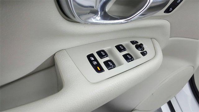 2016 Volvo XC90 T6 Momentum in McKinney, Texas 75070