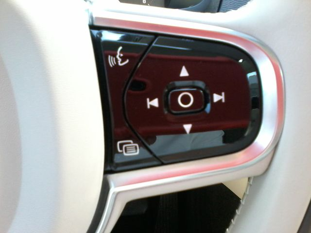 2016 Volvo XC90 T6 Momentum San Antonio, Texas 25
