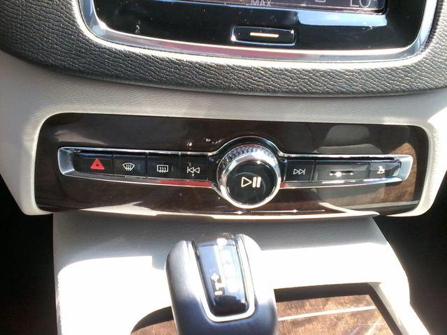 2016 Volvo XC90 T6 Momentum San Antonio, Texas 28