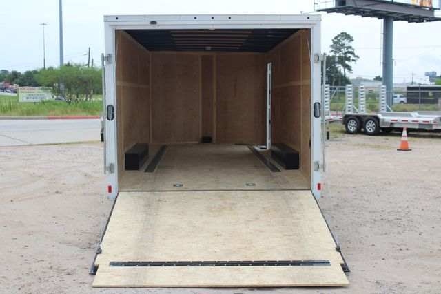 2016 Wells Cargo FT85204 20' ENCLOSED CAR TRAILER CONROE, TX 17