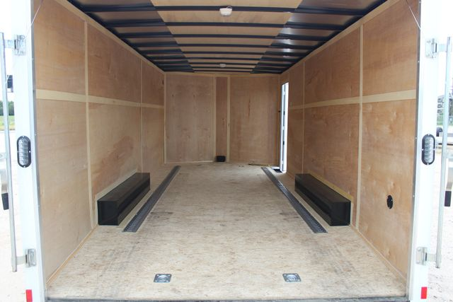 2016 Wells Cargo FT85204 20' ENCLOSED CAR TRAILER CONROE, TX 18