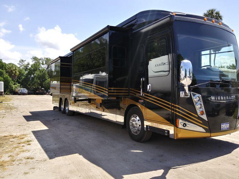 2016 Winnebago Grand Tour Series  M-42HL  city FL  Manatee RV  in Palmetto, FL