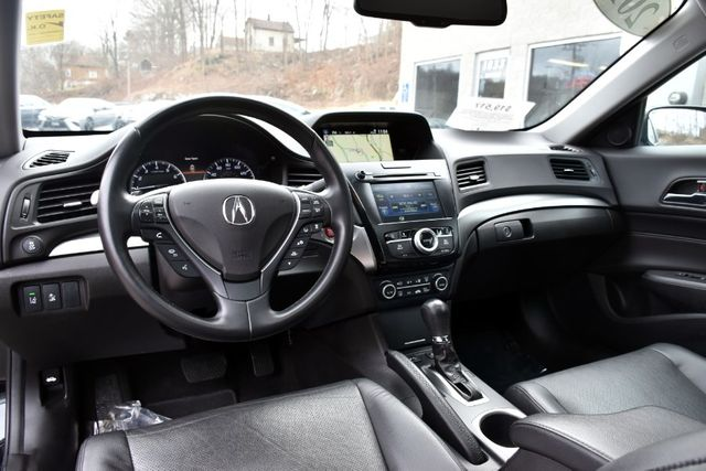 2017 Acura ILX w/Technology Plus Pkg Waterbury, Connecticut 17