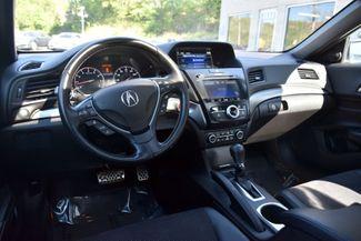 2017 Acura ILX Sedan w/Premium Waterbury, Connecticut 13