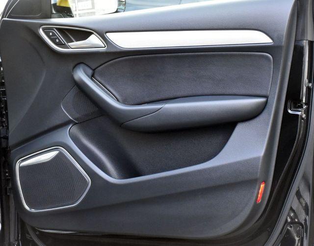 2017 Audi Q3 Prestige Waterbury, Connecticut 30