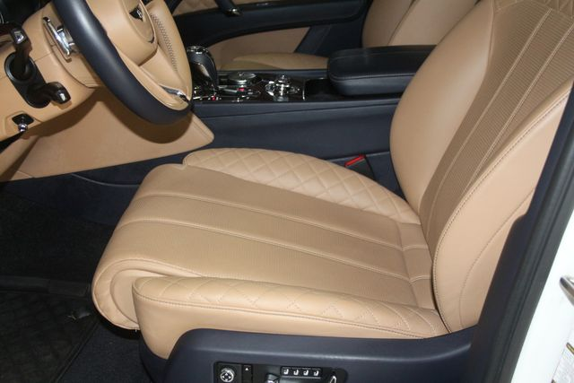 2017 Bentley Bentayga W12 Houston, Texas 22
