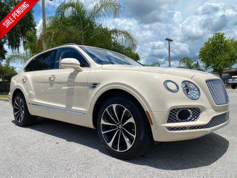 2017 Bentley Bentayga W12 MAGNOLIA/MAGNOLIA CARFAX CERT 1 OWNER in Plant City, Florida