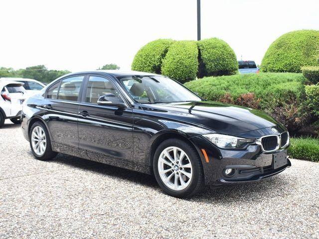 2017 BMW 320i 320i