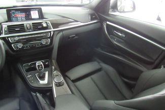 2017 BMW 330i xDrive W/NAVIGATION SYSTEM/ BACK UP CAM Chicago, Illinois 25