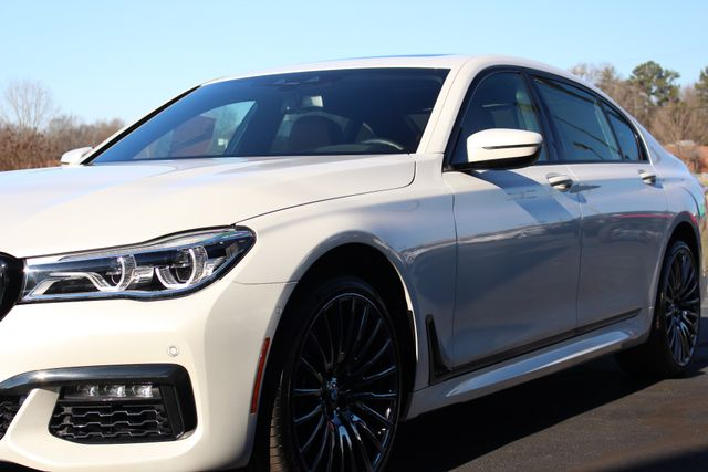 2017 BMW 750i RWD - M SPORT, EXECUTIVE & DRIVER PLUS II PKGS! Mooresville , NC 31