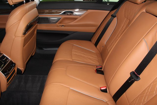 2017 BMW 750i RWD - M SPORT, EXECUTIVE & DRIVER PLUS II PKGS! Mooresville , NC 126