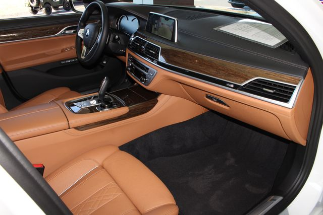 2017 BMW 750i RWD - M SPORT, EXECUTIVE & DRIVER PLUS II PKGS! Mooresville , NC 48
