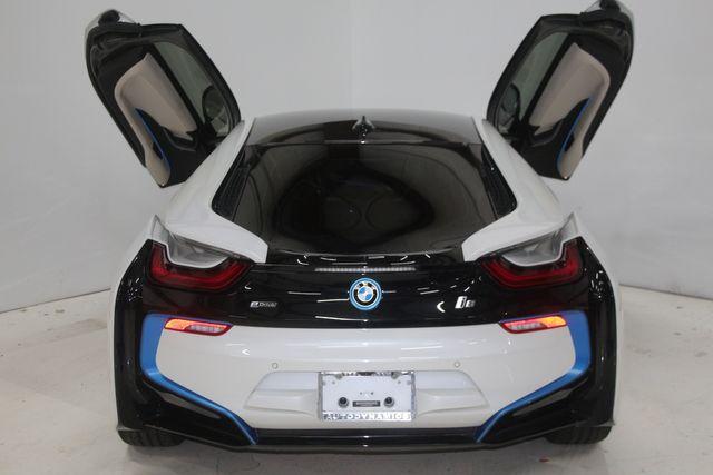 2017 BMW i8 Houston, Texas 18