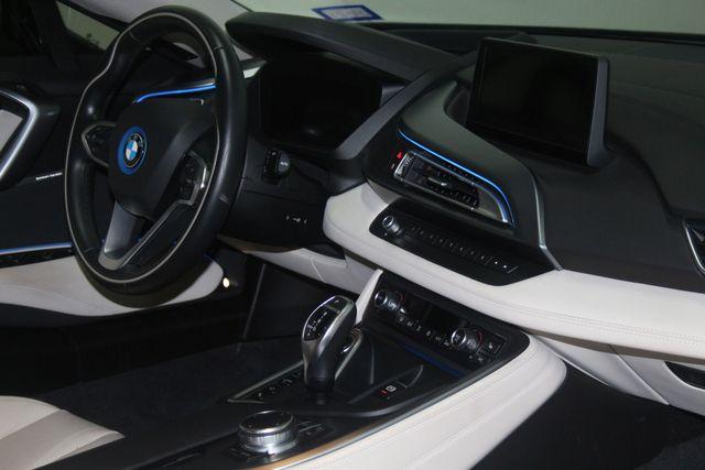 2017 BMW i8 Houston, Texas 25