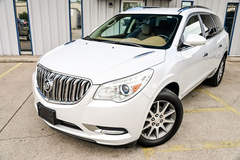 2017 Buick Enclave 3.6L V6 Navigation Leather Bose 3rd Row Very Nice! in Rowlett, Texas