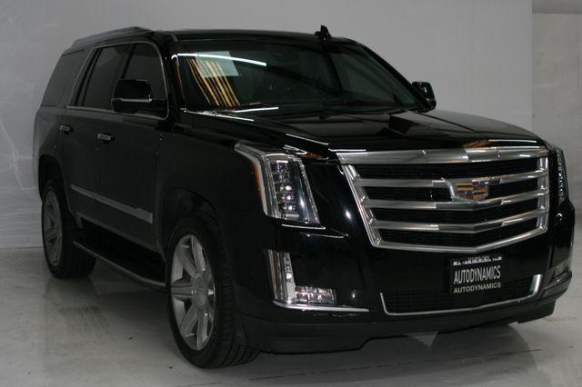 2017 Cadillac Escalade Premium Luxury Houston, Texas 3