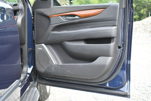 2017 Cadillac Escalade Luxury Naugatuck, Connecticut 9