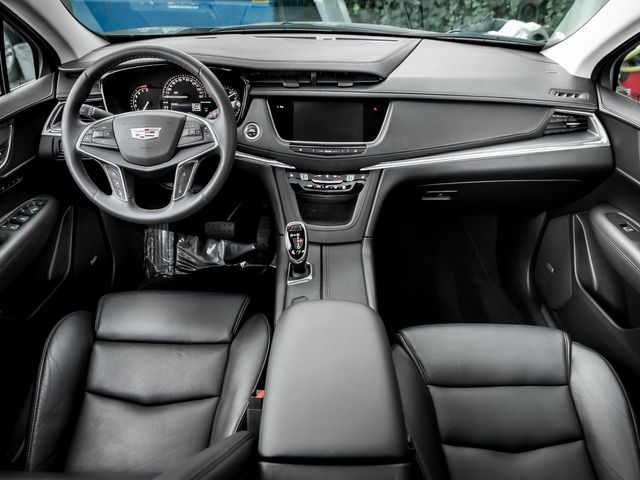 2017 Cadillac XT5 Luxury FWD Burbank, CA 7