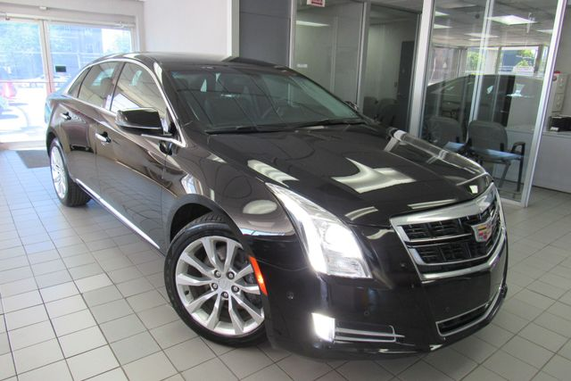 2017 Cadillac XTS Luxury W/ NAVIGATION SYSTEM/ BACK UP CAM Chicago, Illinois
