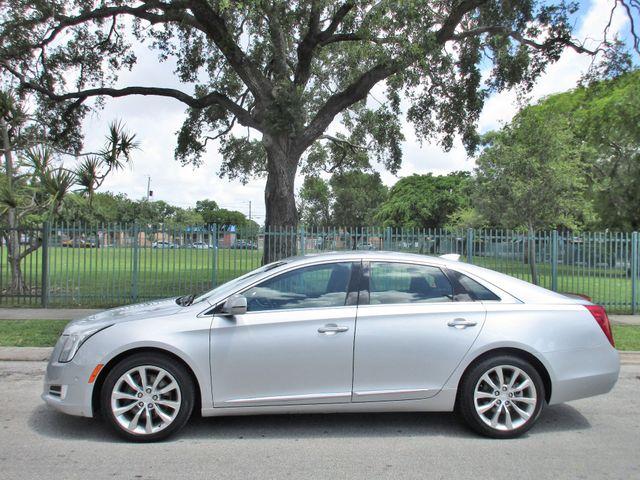 2017 Cadillac XTS Luxury Miami, Florida 1