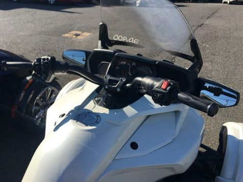 2017 Can-Am SPYDER F3 LIMITED  - John Gibson Auto Sales Hot Springs in Hot Springs, Arkansas