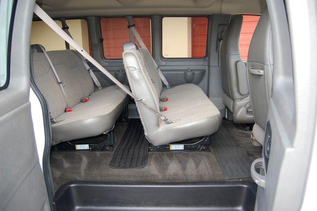 2017 Chevrolet 12 Pass. LT Charlotte, North Carolina 8