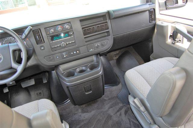 2017 Chevrolet 12 Pass. LT Charlotte, North Carolina 17