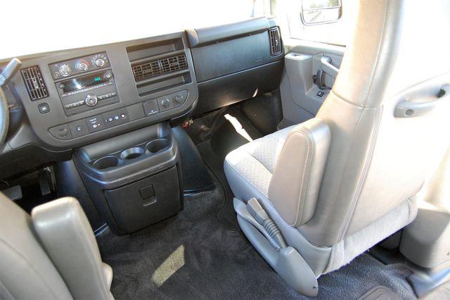 2017 Chevrolet 12 Pass LT Charlotte, North Carolina 17