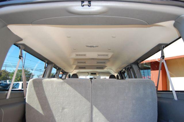 2017 Chevrolet 12 Pass LT Charlotte, North Carolina 13