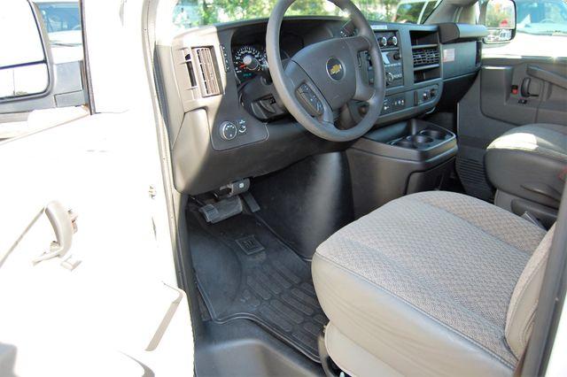 2017 Chevrolet 12 Pass LT Charlotte, North Carolina 4