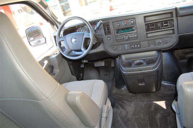 2017 Chevrolet 15 Pass LT Charlotte, North Carolina 14