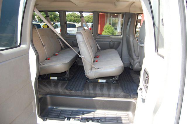 2017 Chevrolet 15 Pass. LT Charlotte, North Carolina 8