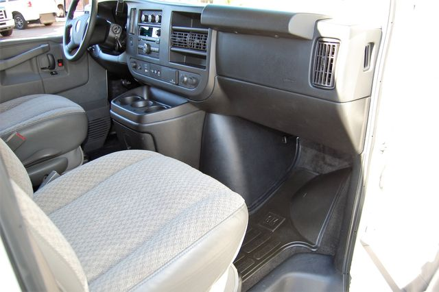 2017 Chevrolet 15 Pass. LT Charlotte, North Carolina 6