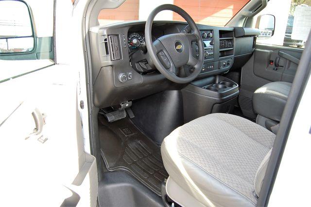 2017 Chevrolet 15 Pass. LT Charlotte, North Carolina 4