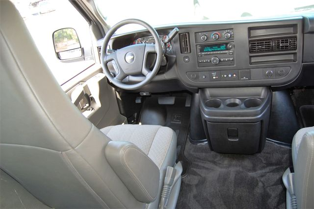 2017 Chevrolet 15 Pass. LT Charlotte, North Carolina 13
