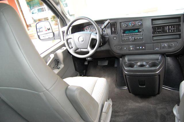 2017 Chevrolet 15 Pass. LT Charlotte, North Carolina 11