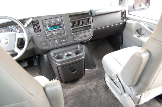 2017 Chevrolet 15 Pass. LT Charlotte, North Carolina 12