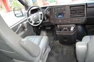 2017 Chevrolet 9 Pass. TV / DVD Charlotte, North Carolina 21